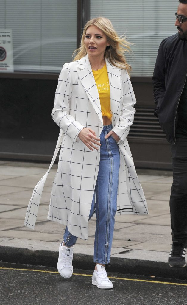 Mollie King Arrives at BBC Broadcasting House in London 03/09/2018-2