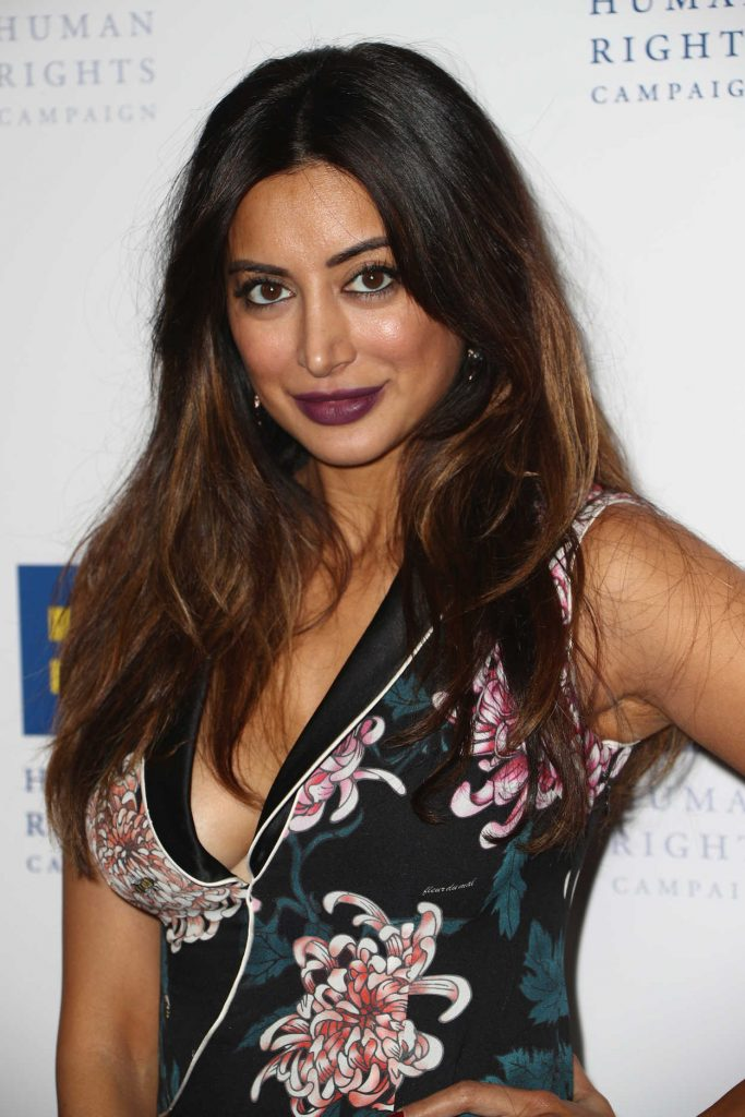 Noureen DeWulf Attends 2018 Human Rights Campaign Gala Dinner in Los Angeles 03/10/2018-4