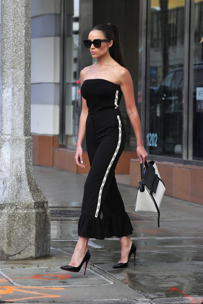 Olivia Culpo Was Spotted Out in Santa Monica 03/17/2018-1