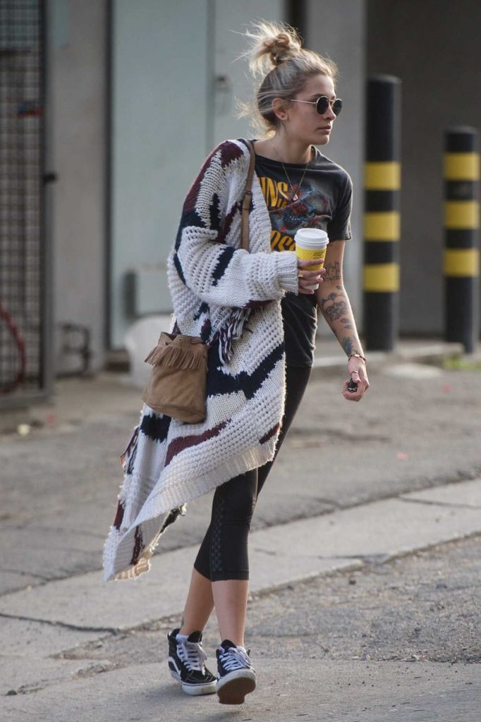 Paris Jackson Grabs Coffee Out in Los Angeles 03/14/2018-4