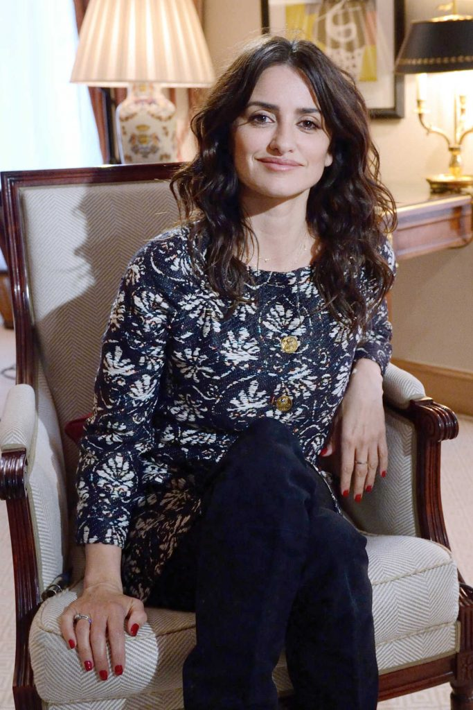 Penelope Cruz Answers to an Interview by BFM TV at the Bristol Hotel in Paris 03/02/2018-4