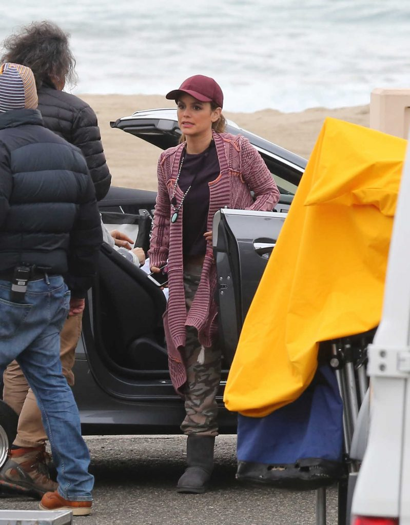 Rachel Bilson on the Set of Take Two in Malibu 03/14/2018-1