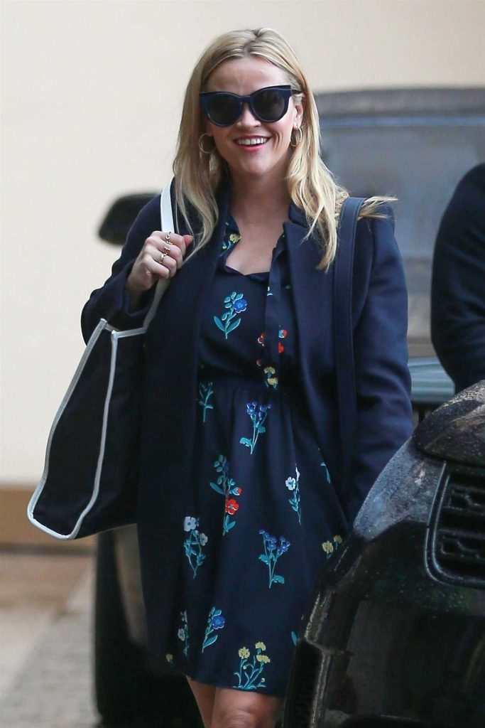 Reese Witherspoon Arrives for a Birthday Lunch with Friends in Hollywood 03/22/2018-4