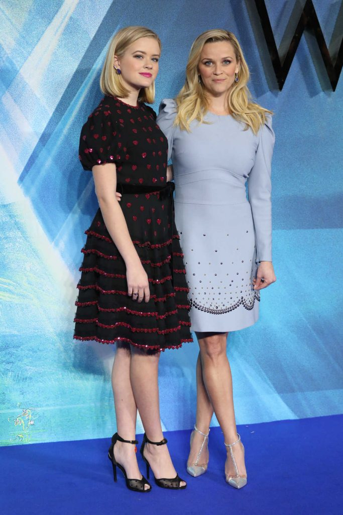 Reese Witherspoon at A Wrinkle in Time Premiere in London 03/13/2018-4