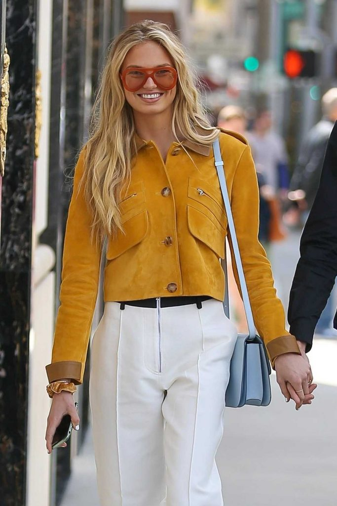 Romee Strijd Was Spotted with Her Boyfriend on Rodeo Drive in Beverly Hills 02/28/2018-1