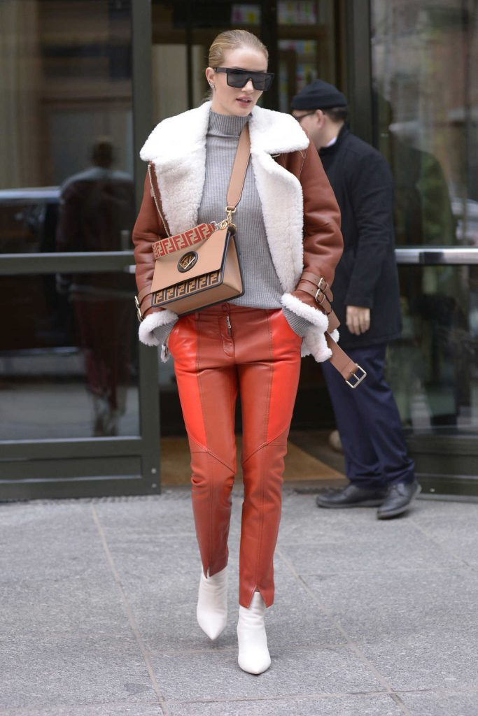 Rosie Huntington-Whiteley Was Seen Out in New York City 03/27/2018-3