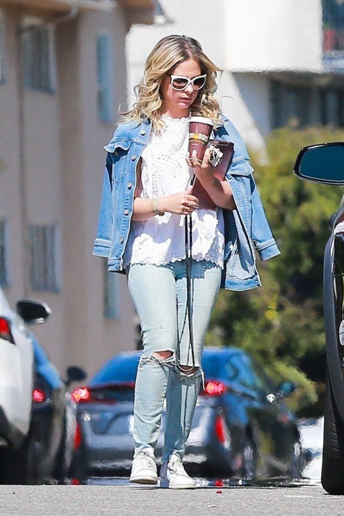 Sarah Michelle Gellar Wears a Blue Denim Jacket Out in Brentwood 03/28/2018-2