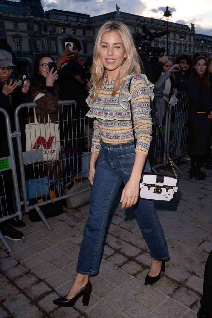 Sienna Miller at the Louis Vuitton Show During the Paris Fashion Week in Paris 03/06/2018-5