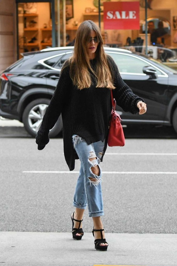 Sofia Vergara Wears a Blue Ripped Jeans Out in Beverly Hills 03/20/2018-4