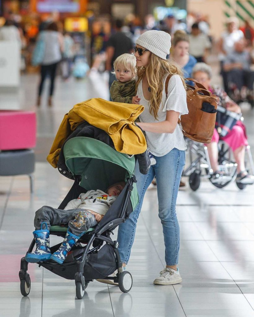 Teresa Palmer Departs Adelaide with Her Two Children 03/26/2018-1