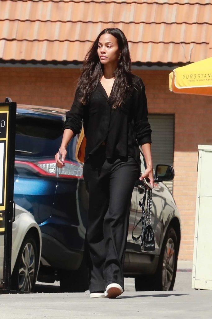 Zoe Saldana Arrives at Granville Restaurant in Studio City 03/19/2018-3