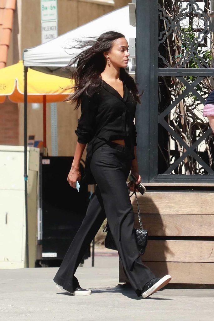 Zoe Saldana Arrives at Granville Restaurant in Studio City 03/19/2018-5