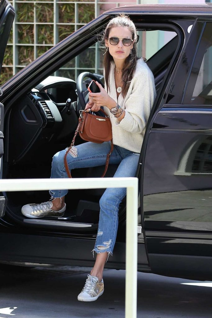 Alessandra Ambrosio Heads to Lunch at The Ivy in Santa Monica 04/19/2018-1