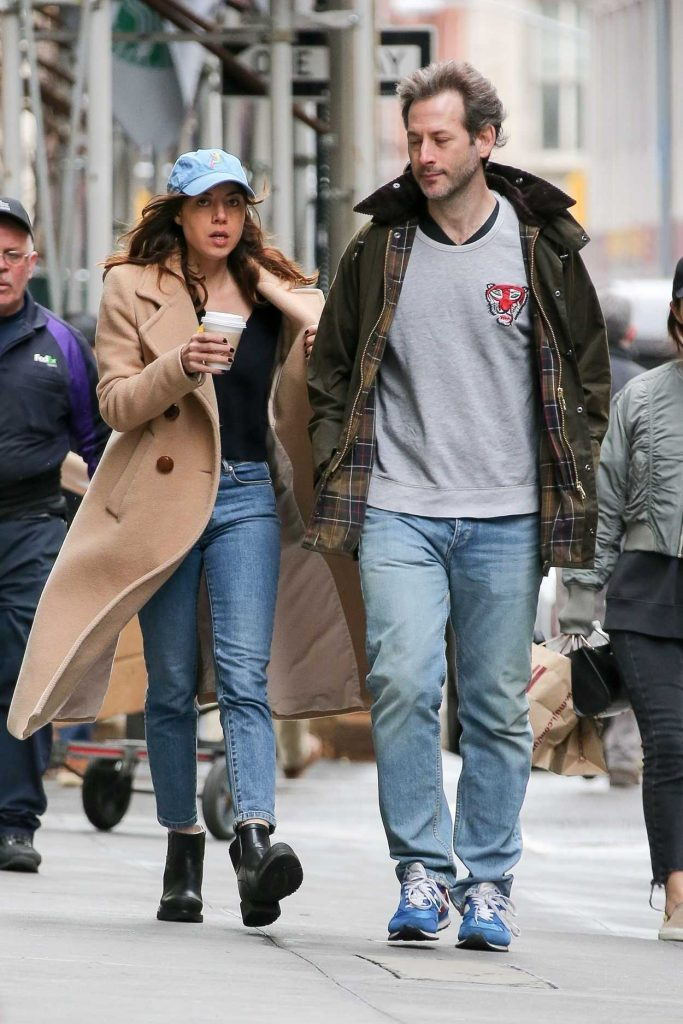 Aubrey Plaza Was Seen Out with Boyfirend Jeff Baena in New York 04/19/2018-1