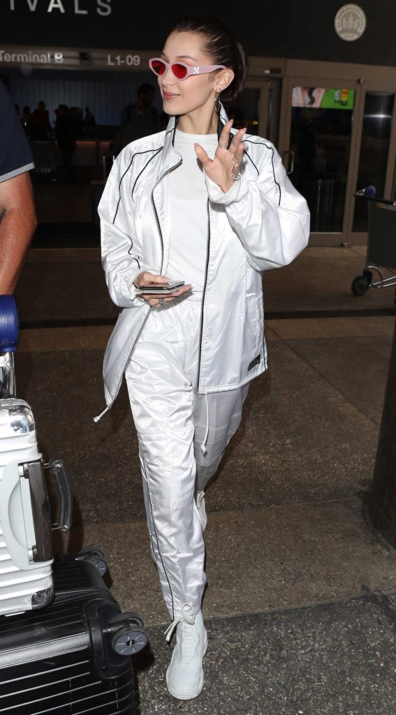 Bella Hadid Was Spotted at LAX Airport in LA 04/12/2018-2