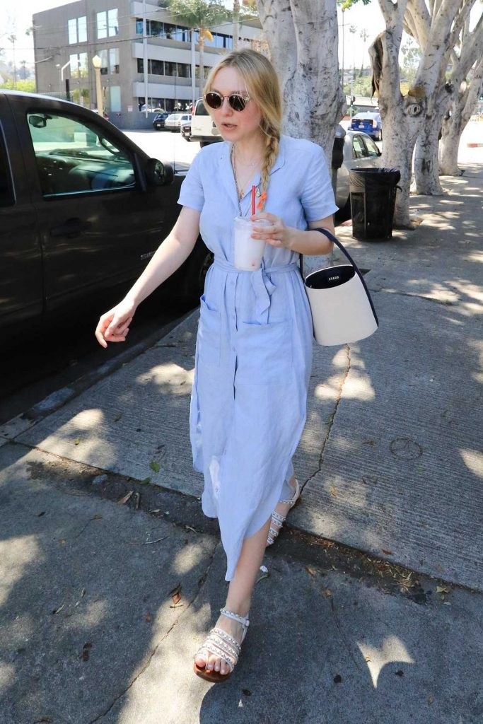 Dakota Fanning Leaves the Farmers Market in Studio City 04/22/2018-3