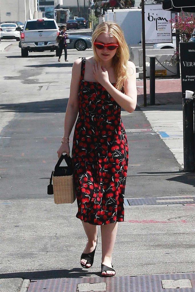 Dakota Fanning Was Seen Out in Beverly Hills 04/23/2018-5