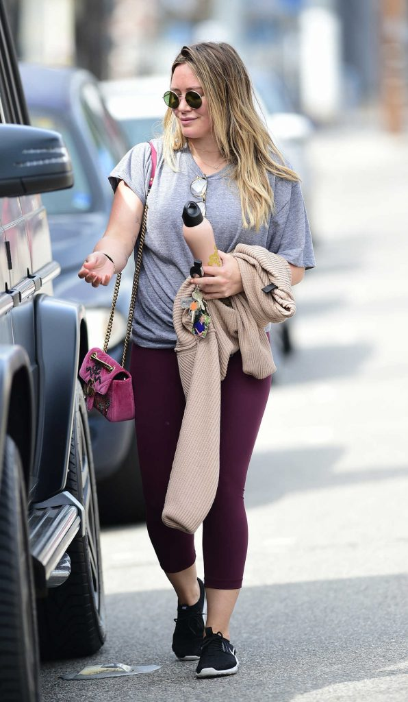 Hilary Duff Hits the Gym in LA 03/31/2018-5