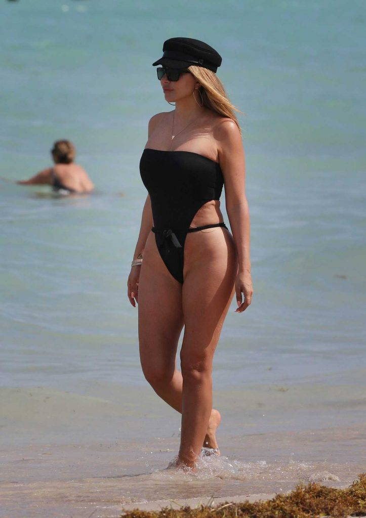 Larsa Pippen Wears a Black High Cut Swimsuit on the Beach in Miami 03/31/2018-2
