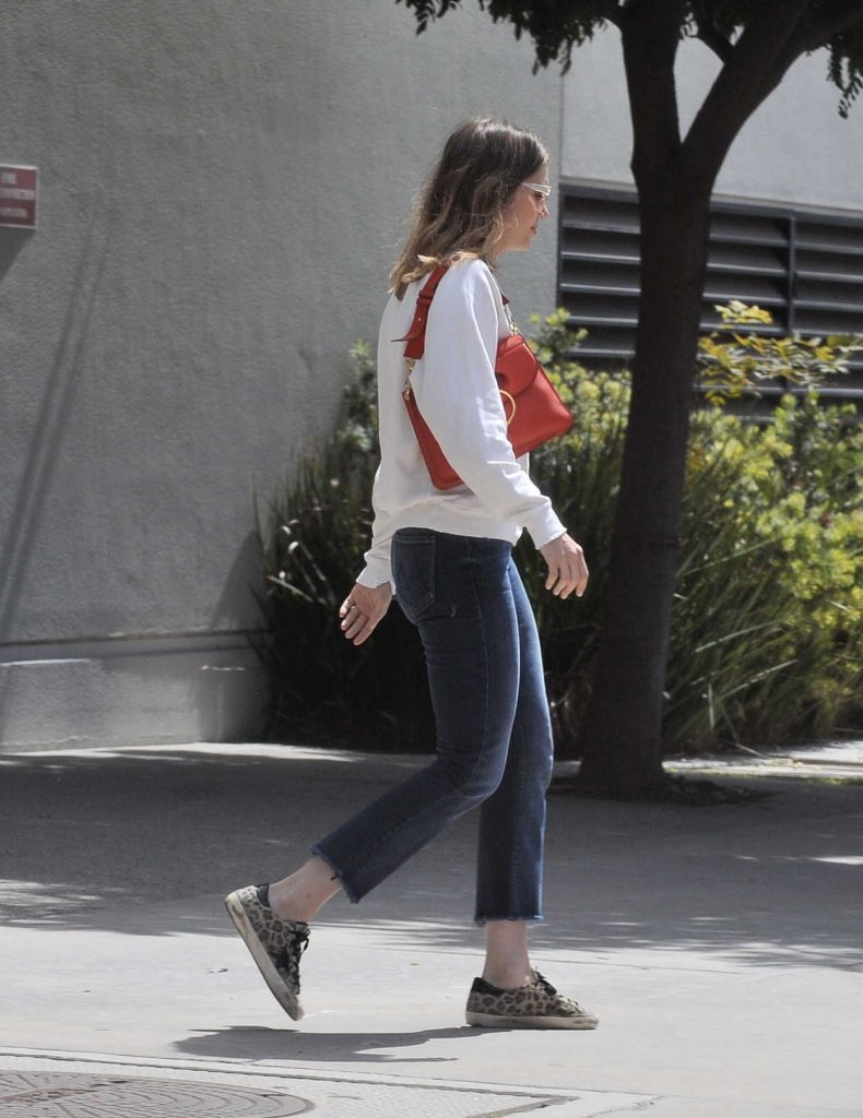 Mandy Moore Leaves the VCA Animal Hospital in Los Angeles 04/08/2018-1