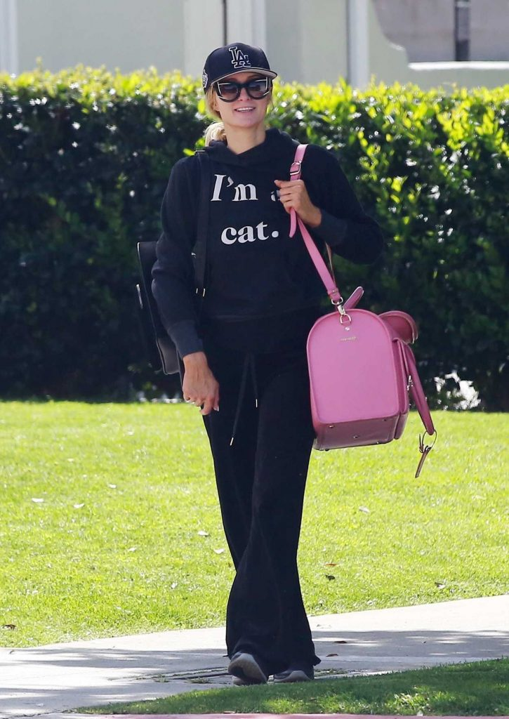 Paris Hilton Was Seen Out in Beverly Hills 04/10/2018-1