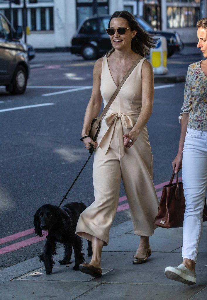 Pippa Middleton Walks Her Dog in London 04/22/2018-1