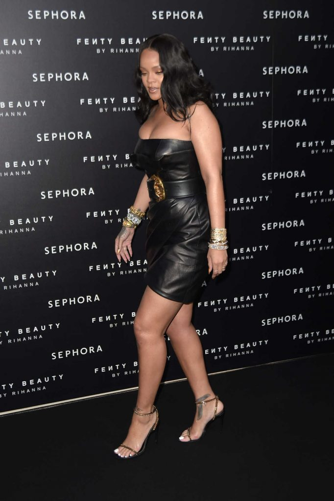 Rihanna at the Fenty Beauty Line by Sephora Launch in Milan 04/05/2018-3