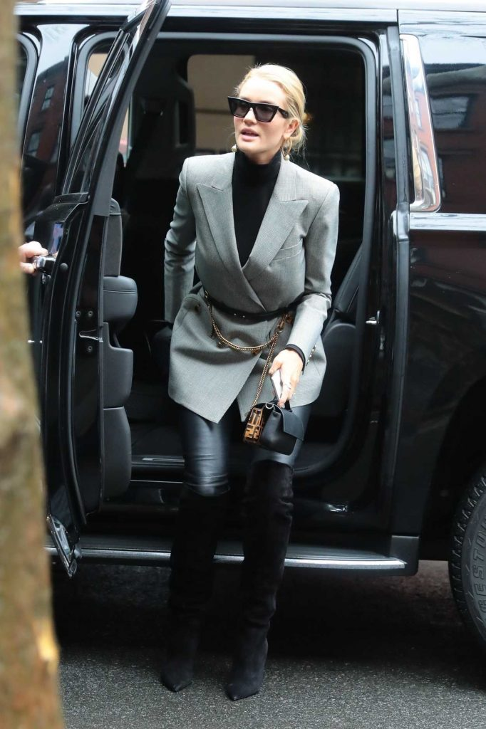 Rosie Huntington-Whiteley Was Spotted Out in New York 04/04/2018-2