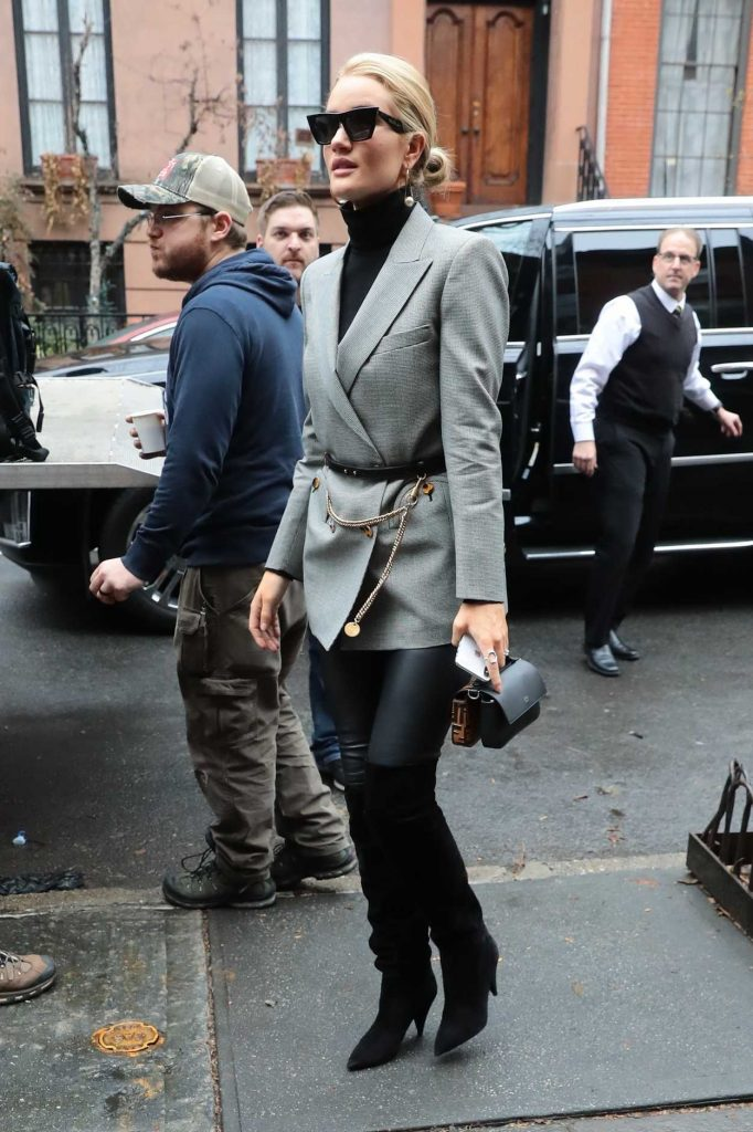 Rosie Huntington-Whiteley Was Spotted Out in New York 04/04/2018-4