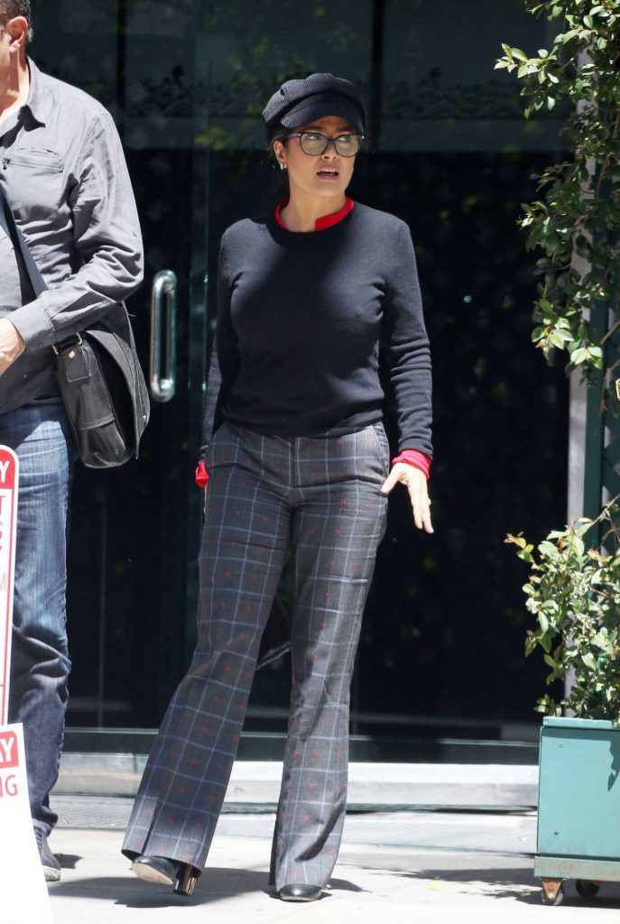 Salma Hayek Arrives at Mr Chow in Los Angeles 04/12/2018-1