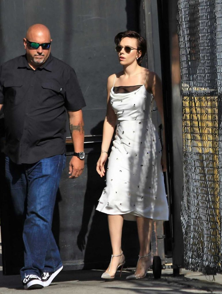 Scarlett Johansson Arrives at Jimmy Kimmel Live in Hollywood 04/24/2018-2