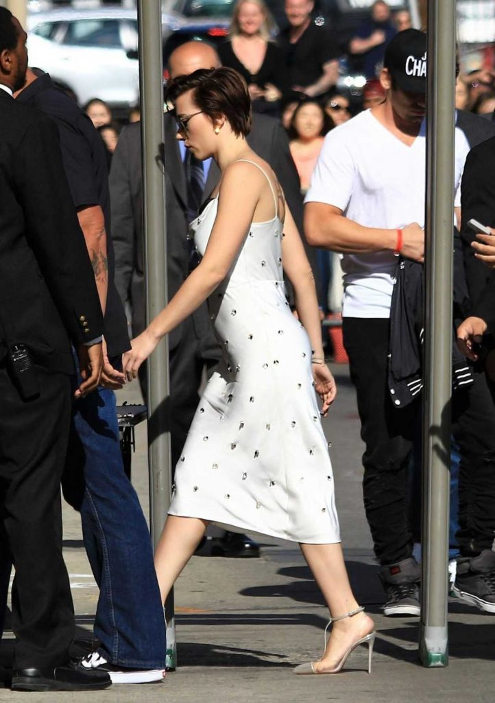 Scarlett Johansson Arrives at Jimmy Kimmel Live in Hollywood 04/24/2018-4
