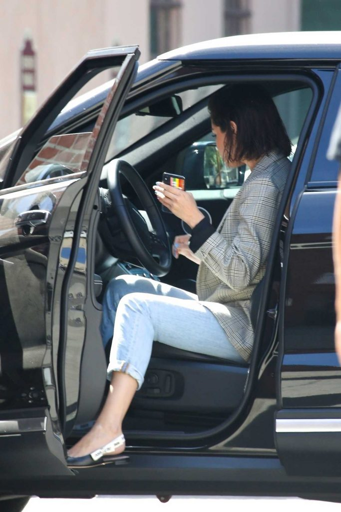 Selena Gomez Was Seen Out in Hollywood 04/10/2018-1