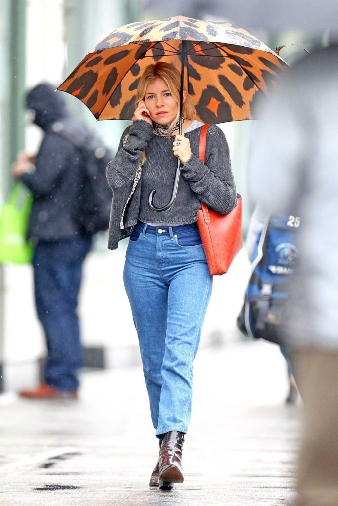 Sienna Miller Was Seen Out on a Rainy Day in New York City 04/27/2018-2