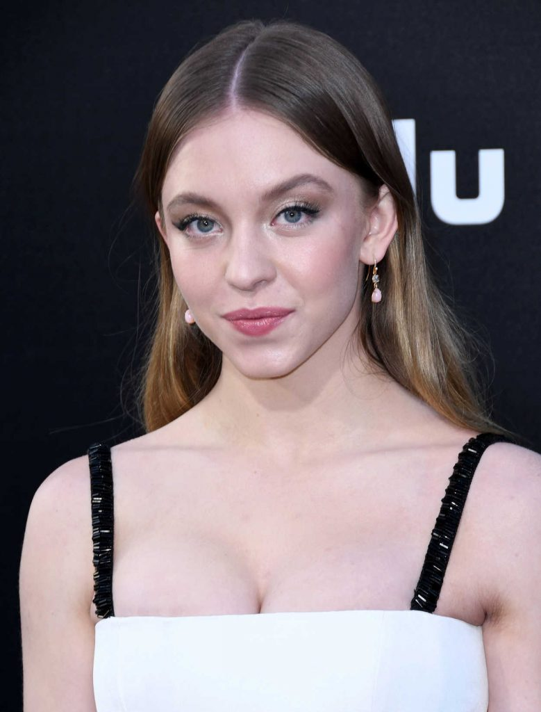 Sydney Sweeney at The Handmaid's Tale Season 2 Premiere in Hollywood 04/19/2018-5