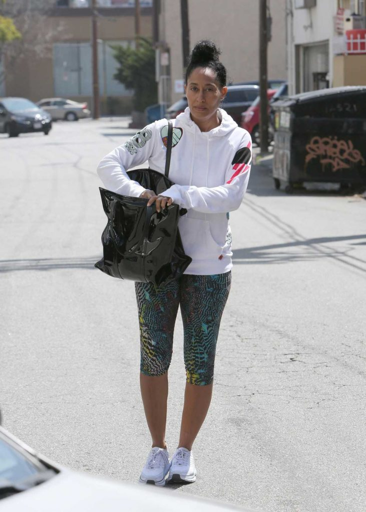 Tracee Ellis Ross Leaves the Gym in Los Angeles 04/24/2018-1