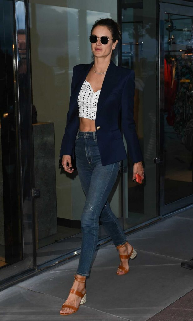 Alessandra Ambrosio Was Seen Out in Cannes During the 71st Annual Cannes Film Festival 05/13/2018-3