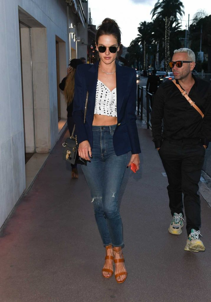 Alessandra Ambrosio Was Seen Out in Cannes During the 71st Annual Cannes Film Festival 05/13/2018-4