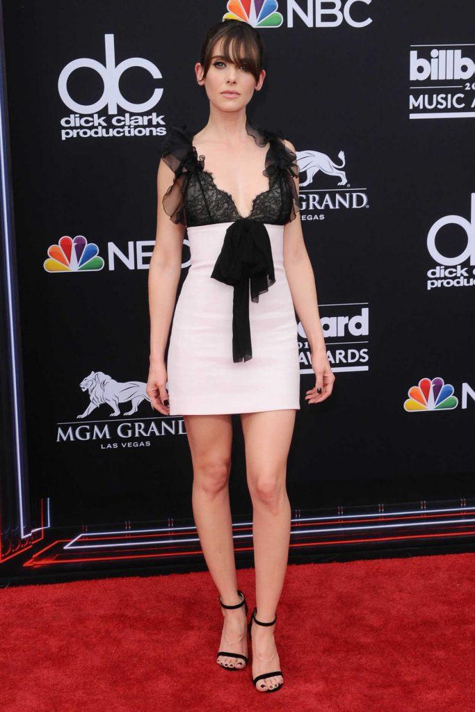 Alison Brie at Billboard Music Awards in Las Vegas 05/20/2018-1