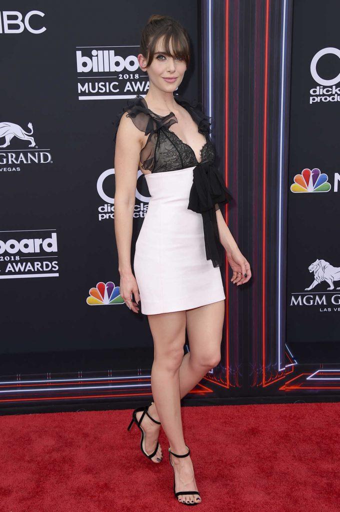 Alison Brie at Billboard Music Awards in Las Vegas 05/20/2018-2