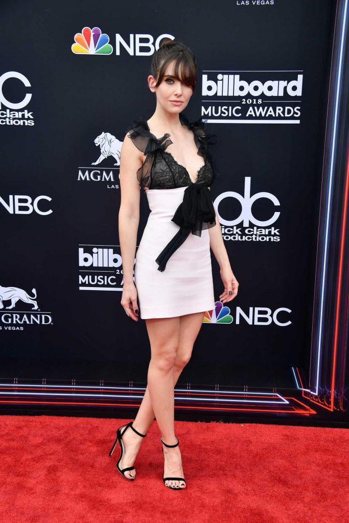 Alison Brie at Billboard Music Awards in Las Vegas 05/20/2018-3
