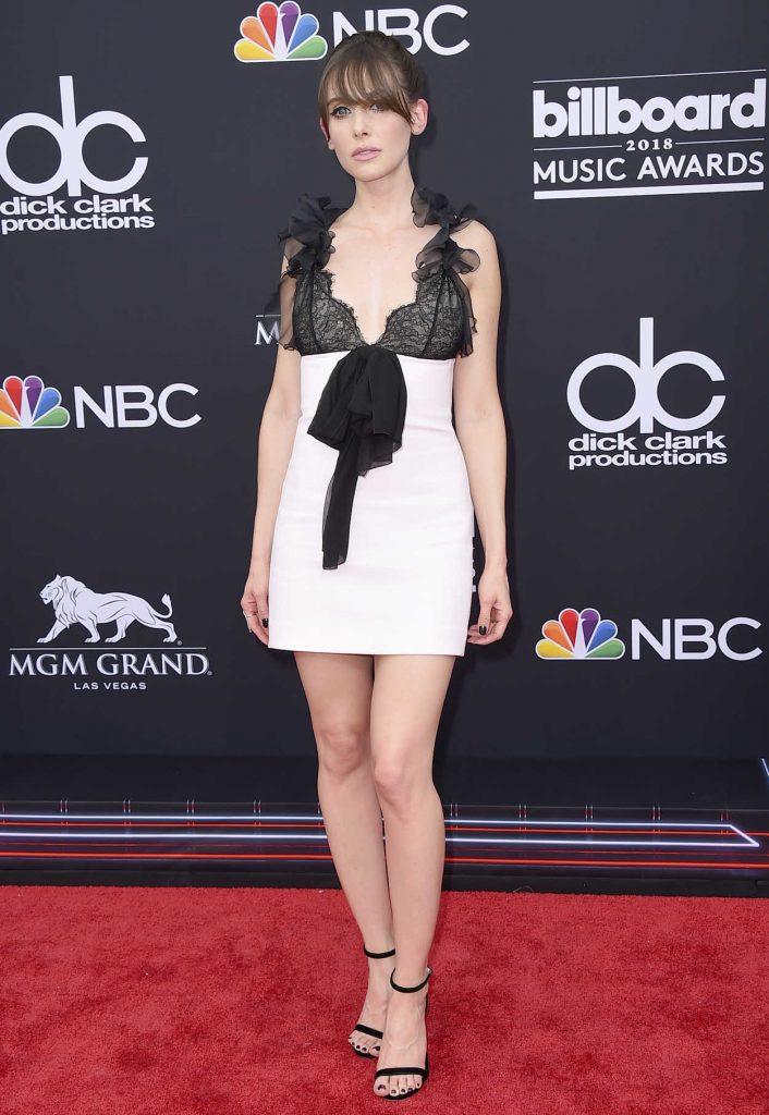 Alison Brie at Billboard Music Awards in Las Vegas 05/20/2018-4