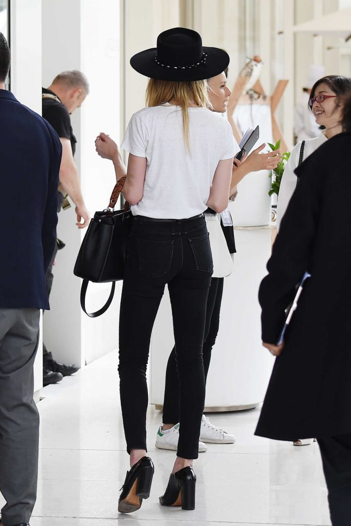 Amber Heard Leaves Her Hotel in Cannes 05/13/2018-4