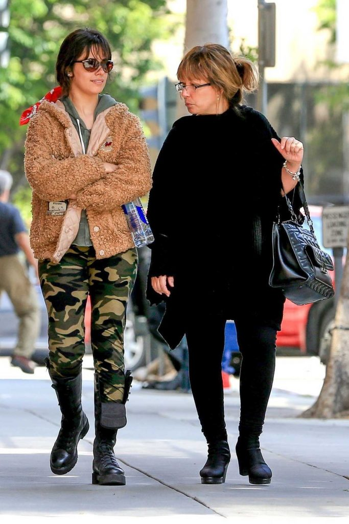 Camila Cabello Was Spotted with Her Mom Around the 90210 Area of Beverly Hills 05/23/2018-5