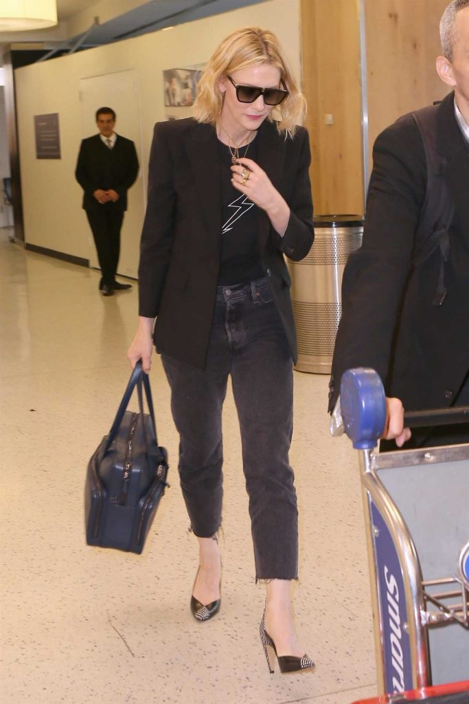 Cate Blanchett Was Spotted at JFK Airport in New York City 05/24/2018-2