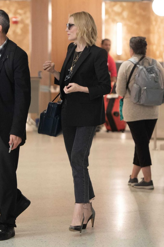 Cate Blanchett Was Spotted at JFK Airport in New York City 05/24/2018-5