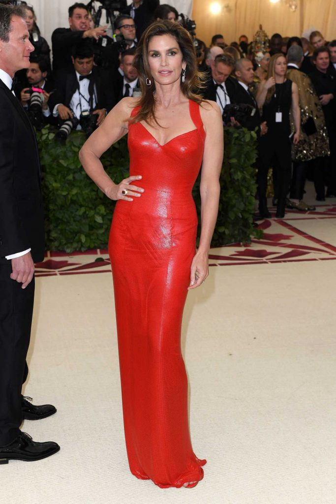 Cindy Crawford at the Heavenly Bodies: Fashion and The Catholic Imagination Costume Institute Gala in New York City 05/07/2018-1
