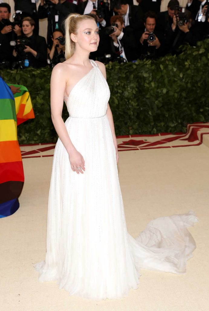 Dakota Fanning at the Heavenly Bodies: Fashion and The Catholic Imagination Costume Institute Gala in New York City 05/07/2018-4