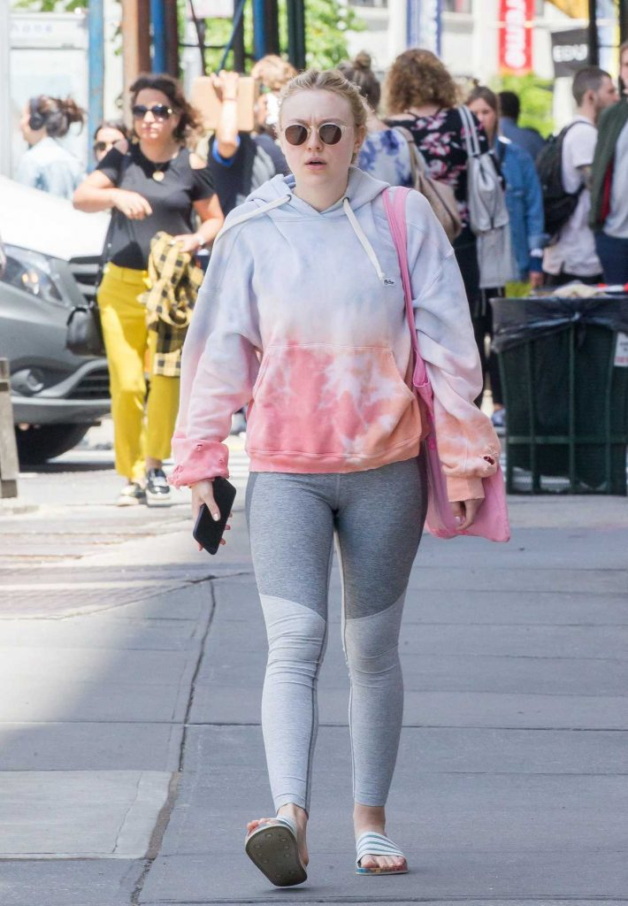 Dakota Fanning Leaves the Gym in New York's Soho District 05/15/2018-1
