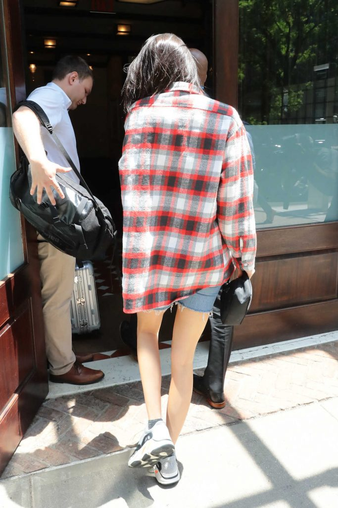 Kendall Jenner Wears a Plaid Oversized Shirt Out in Tribeca 05/24/2018-5